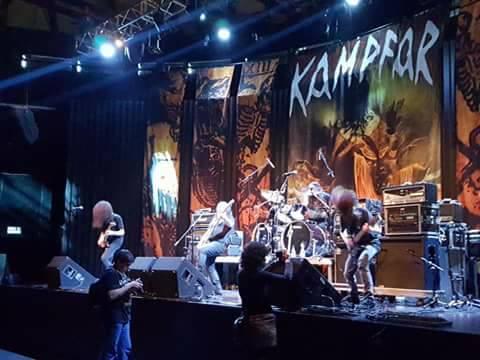 pi en escenario Kampfar
